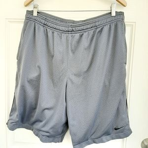 Nike Dri-Fit Gray Basketball Shorts Size X-Large